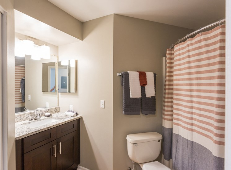 The Crossings at St. Charles Apartments Bath