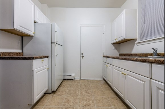 5040 W Quincy St Apartments Chicago Kitchen