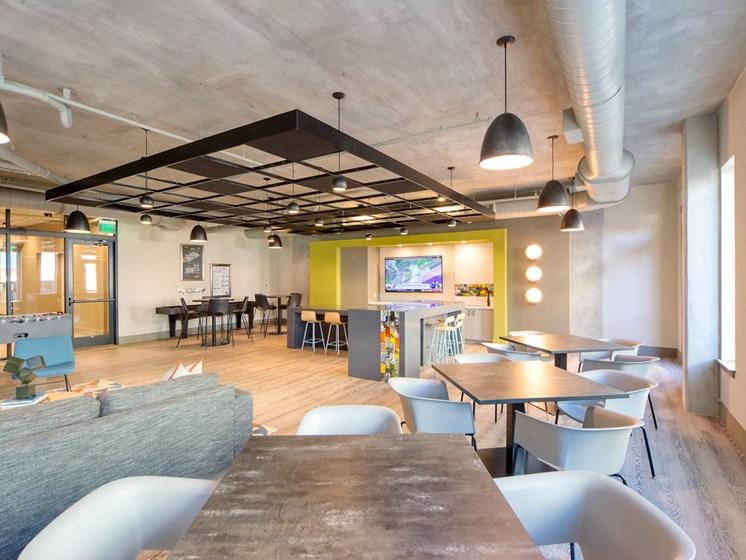 Lofts at Monroe Apartments | Jacksonville, FL | Resident Lounge
