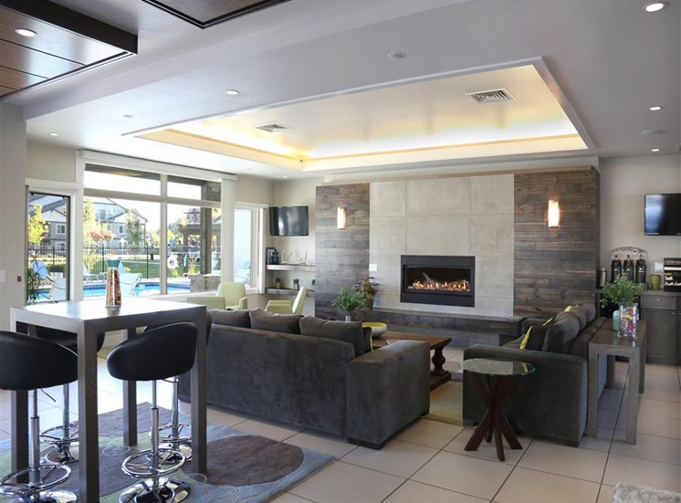 Posh Lounge Area In Clubhouse at Corso Apartments, Montana