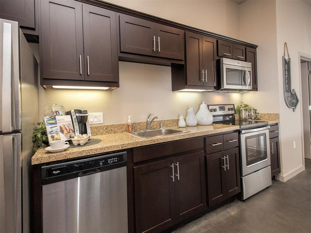 Luxury Apartments for Rent in Downtown Oakland, CA - Mason at Hives Apartments Kitchen