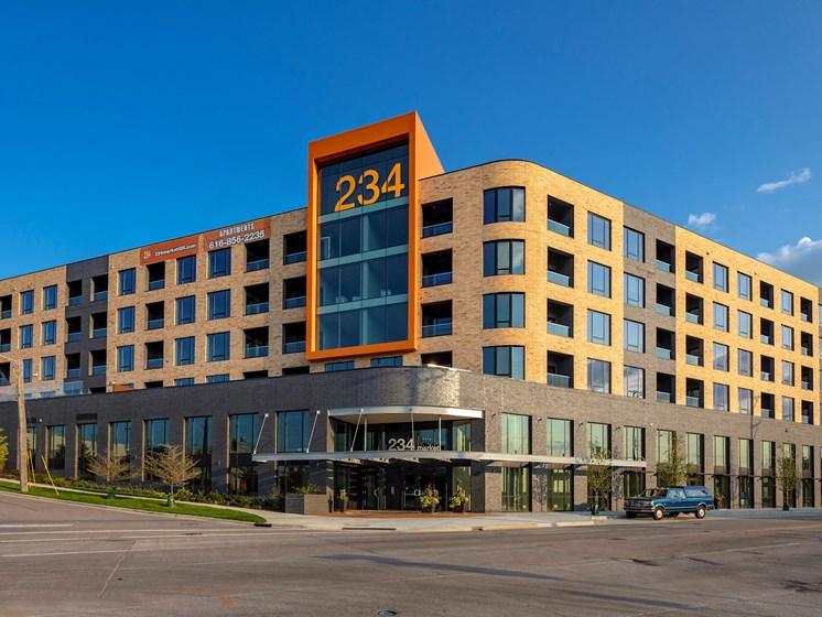 Apartments-Grand-Rapids-Downtown-234-Market-001