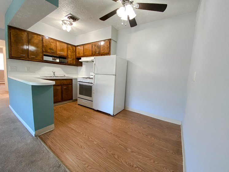 Eastlake Terrace 2 Bedroom Dining Area & Kitchen