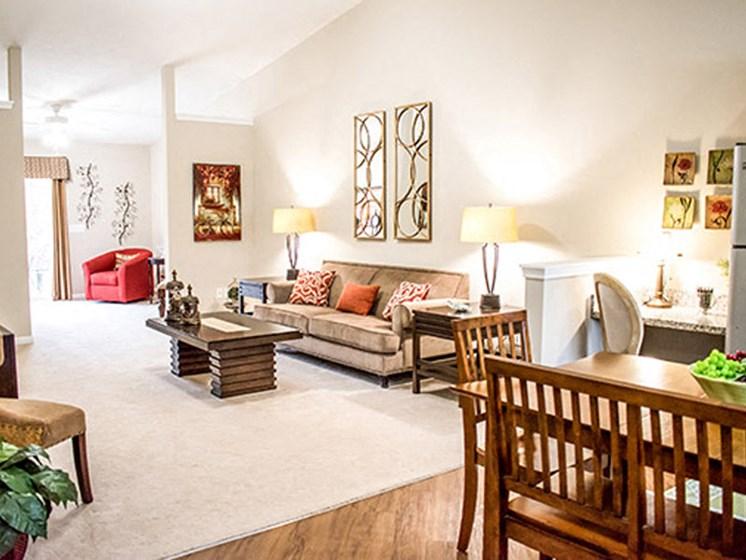 Hudson OH Aparment Rentals Redwood Trails Of Hudson Living Room