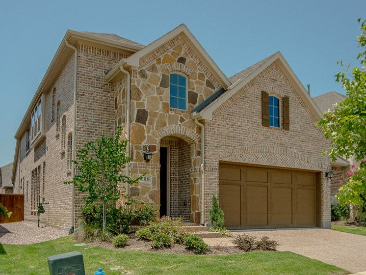 2 car garage at Cottages at Cottages at the Realm, Homes for rent in Lewisville, Texas 75056