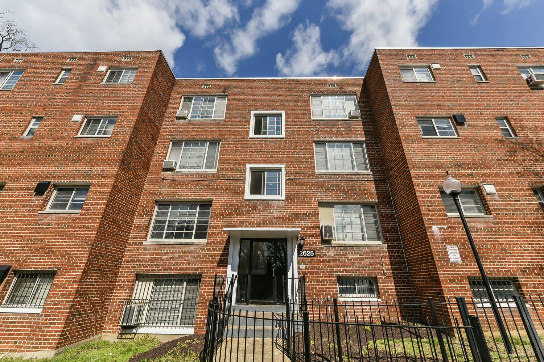 New-Horizon-Apartments-Exterior-Building-Shot