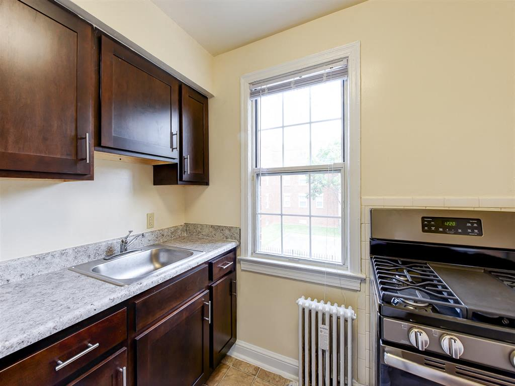 Colonnade-Apartments-Renovated-Kitchens