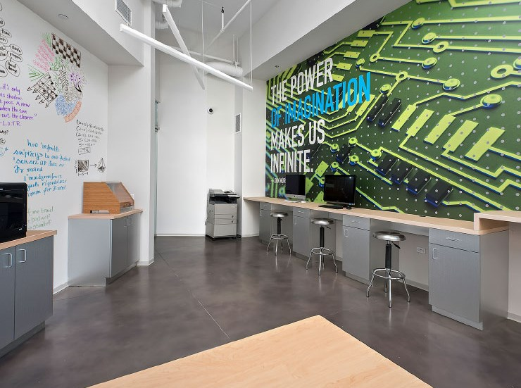 Resident Makerspace at 1001 South State, Illinois