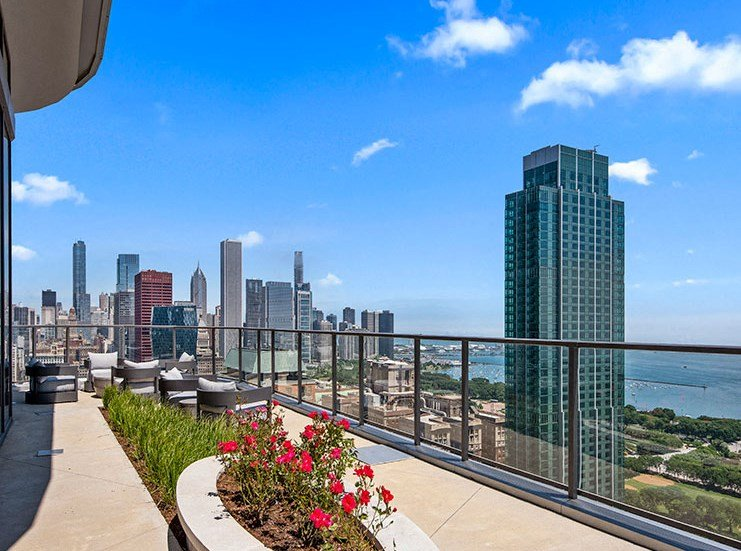 Rooftop Deck at 1001 South State, Illinois, 60605