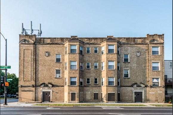South Austin Apartments for rent in Chicago   5201 W Washington Blvd