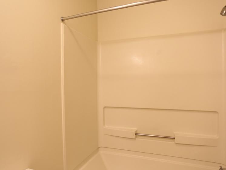 Image of full-sized tub