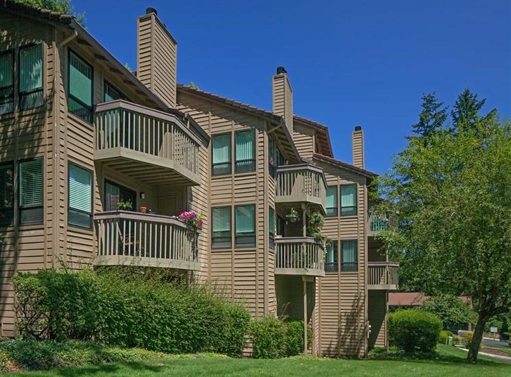 Private Patio/Balcony at Parkridge Apartments, Oregon