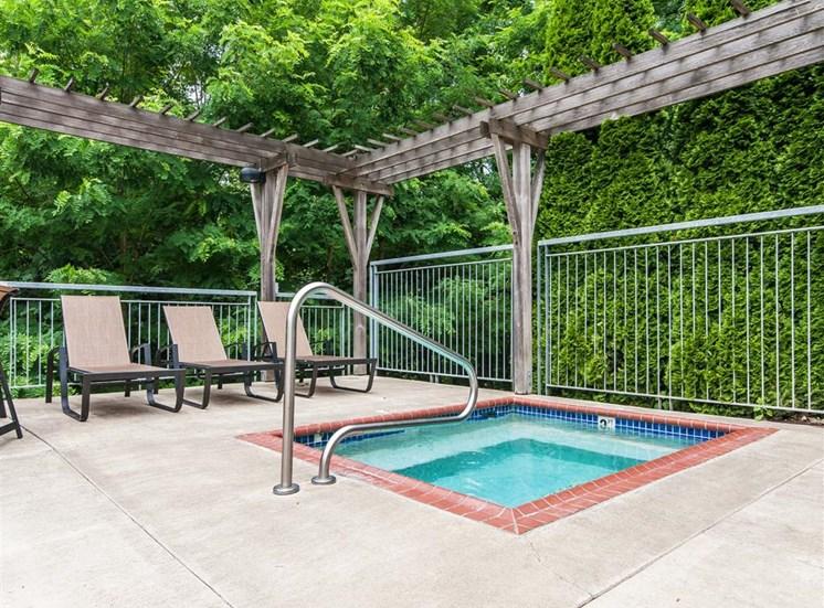 Hot Tub at Parkridge Apartments, Oregon