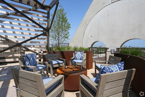 Chicago Apartments with Outdoor Space