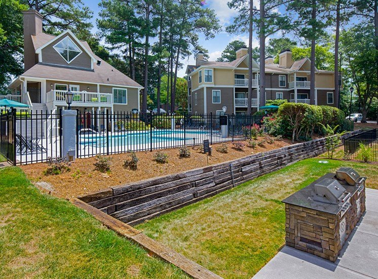 Landscaping at Sommerset Place Apartments in Raleigh NC