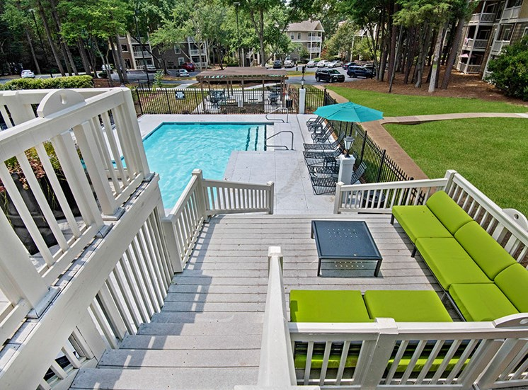 Patio and pool at Sommerset Place Apartments