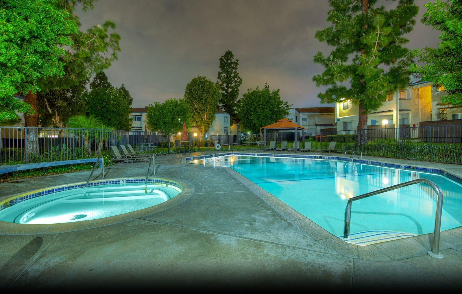 Windwood Apartments Pool & Spa