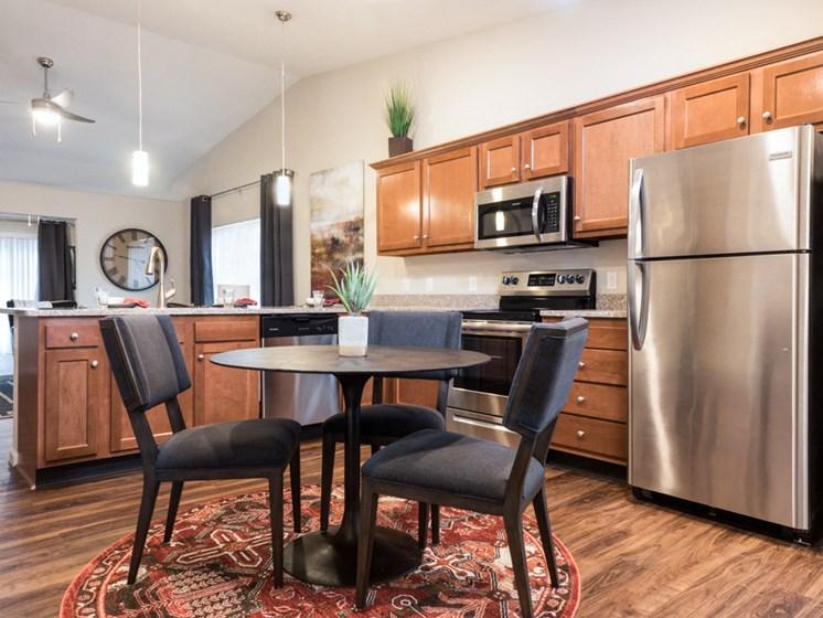 Lebanon OH Apartment Rentals Redwood Berkshire Way Kitchen