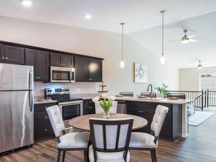 Wolverine Lake MI Apartment Rentals Redwood Wolverine Lake Basswood Entry Kitchen
