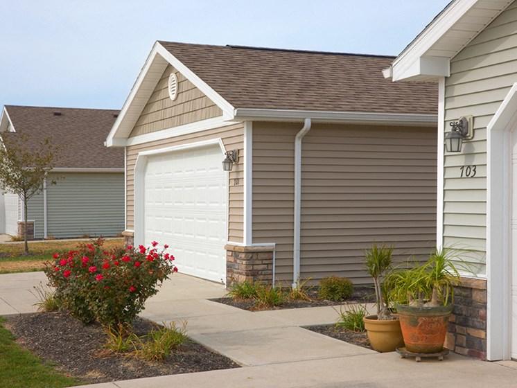 Wolverine Lake MI Apartment Rentals Redwood Beechcrest Two Car Garage