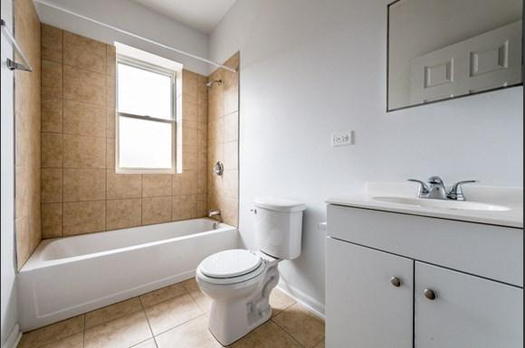 North Lawndale Apartments for rent in Chicago | 1509 S Kenneth Bathroom
