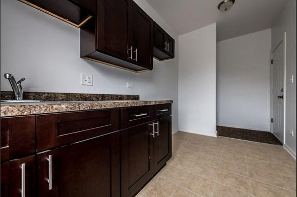 North Lawndale Apartments for rent in Chicago | 1509 S Kenneth Kitchen