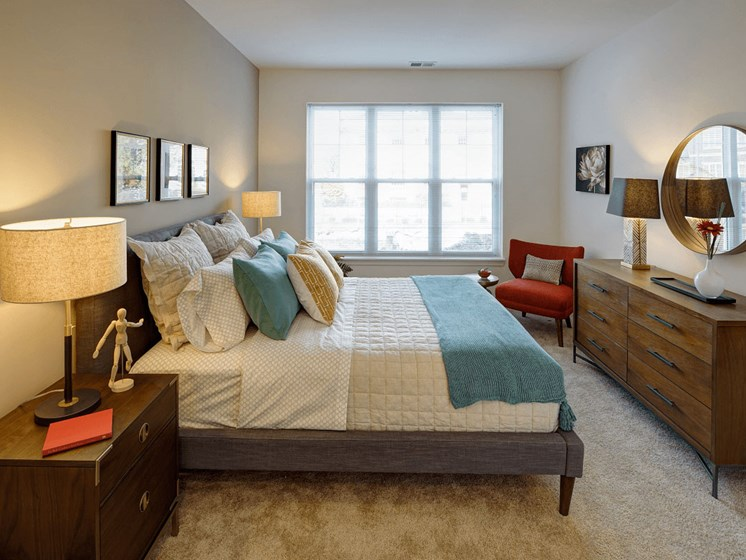 Classic Bedroom at Courthouse Square Apartments, Illinois