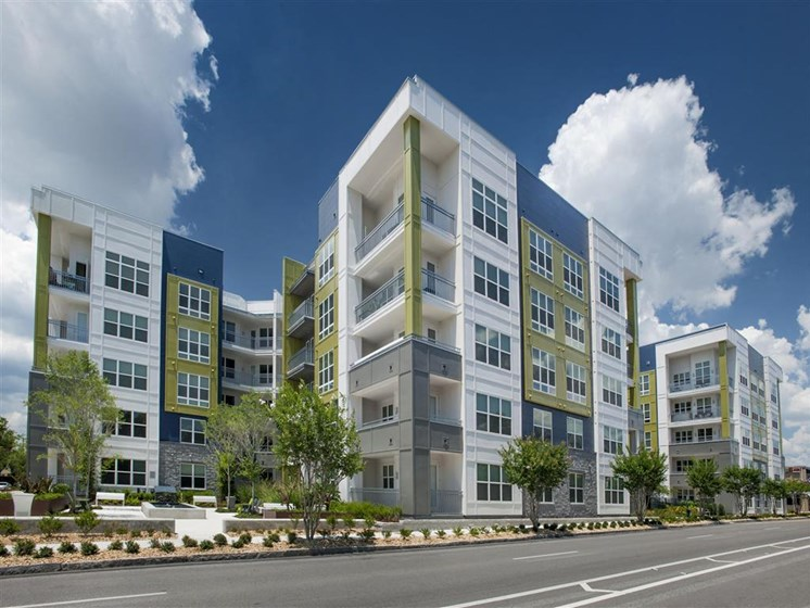 Property Exterior Showing Units and Patio View at Bleecker Hyde Park, Tampa, FL, 33606