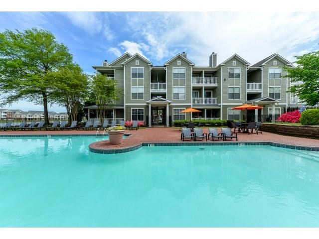 Refreshing Swimming Pool with Sun Deck and Lounges at Legacy Farm Apartments, Collierville, TN 38017