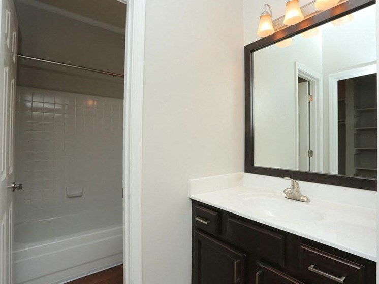 Spacious Bathroom with Relaxing Garden Tub at Park Summit Apartments, Decatur, GA 30033