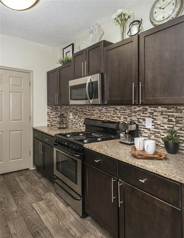 Well Equipped Kitchen at St. Andrews Apartment Homes, Johns Creek