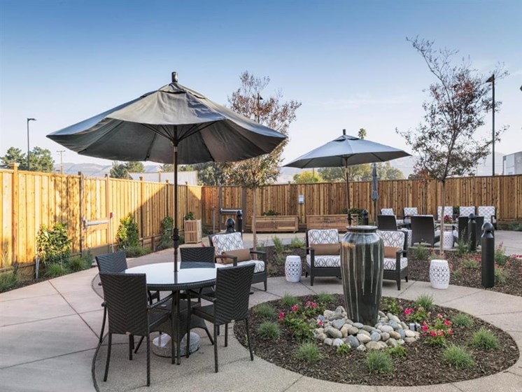 Spacious, Landscaped Patio and Private Courtyard at The Oaks at Nipomo, Nipomo