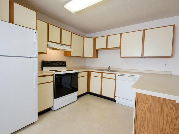 Thunder Creek Apartments | 2 Bdrm - Kitchen