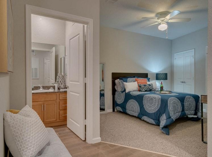 Lake view single suite bedroom