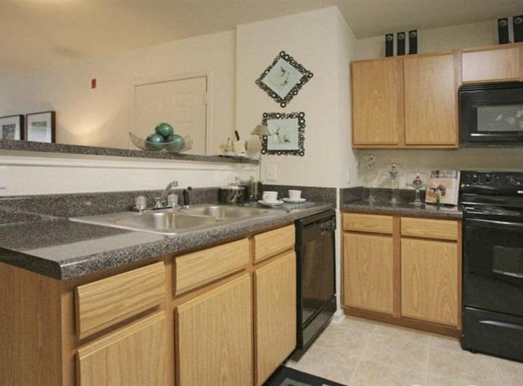 Granite Kitchen Worktops at Deer Meadow Village Apartments, Columbia, South Carolina