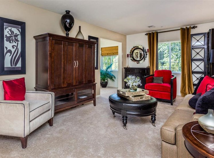 Living Room With High Ceilings at Eagle Point Village Apartments, Fayetteville, North Carolina