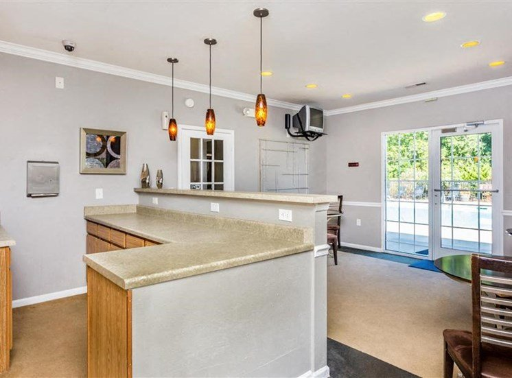 Modern Lightning in Kitchen and Dining Space at Eagle Point Village Apartments, Fayetteville, 28314