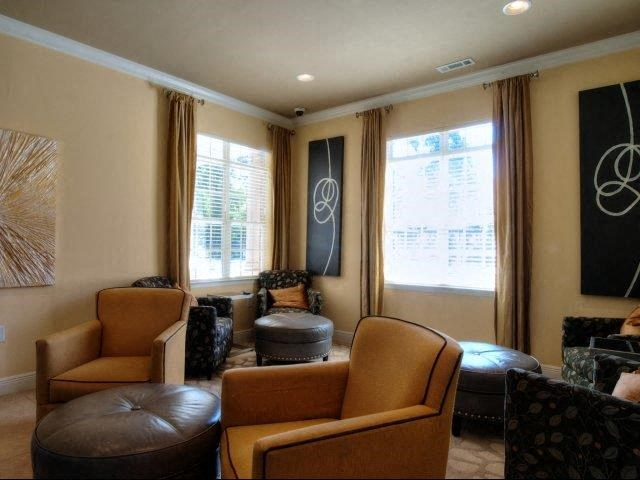 Community Cyber Cafe Lounge at Innisbrook Village Apartments, North Carolina, 27405