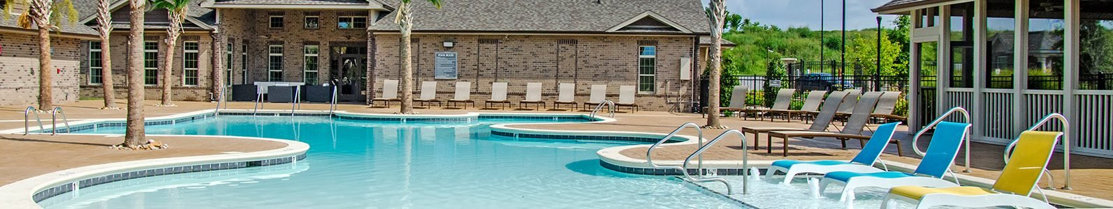 Resort-Inspired Pool with Sunning Ledge and Bubblers at Glass Creek Apartments, Mt Juliet, TN
