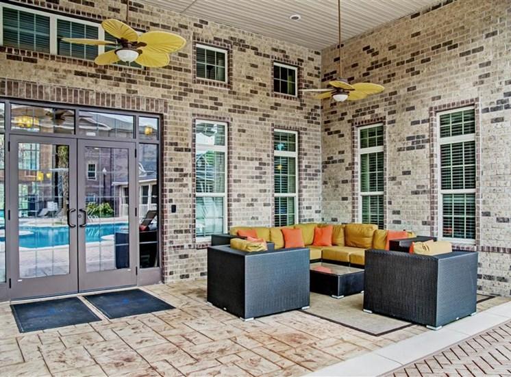 Outdoor Resident Lounge at Heron Pointe, Nashville, 37214