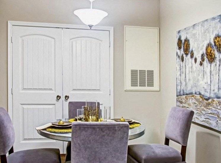 Contemporary Dining Area at Heron Pointe, Tennessee