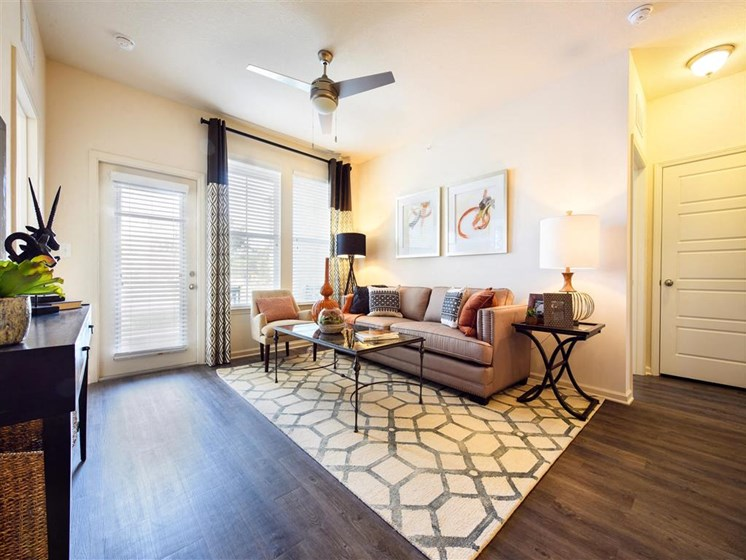 Luxury Apartment at Tapestry Long Farm