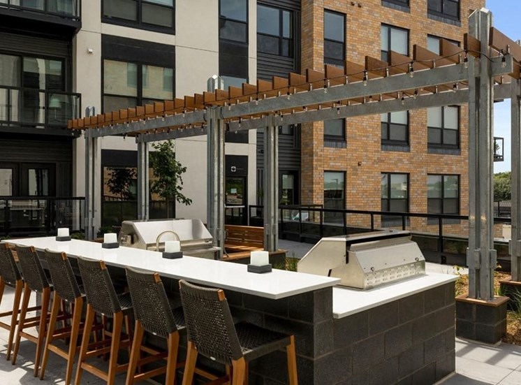 Outdoor Kitchen and Lounge Area, Residences at 1700, Minnetonka, MN 55305