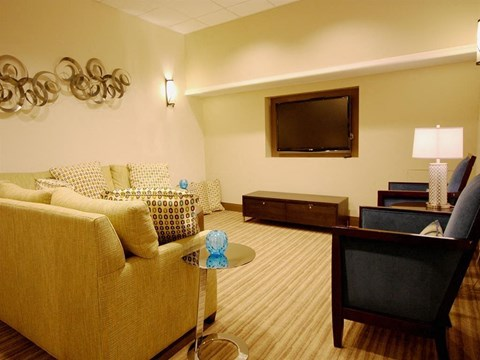 Beautiful Club Rooms with Free Wi-Fi at Quebec House, Washington
