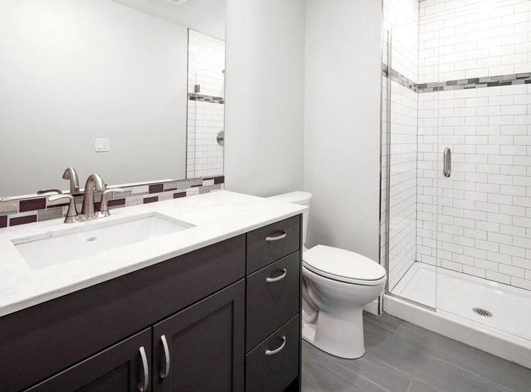 EllaMarie_Photo_Bathroom