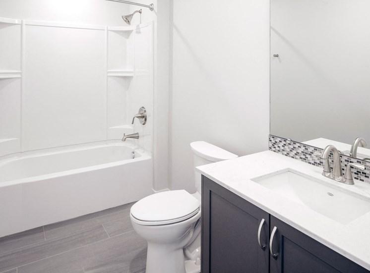 EllaMarie_Photo_ Bathroom