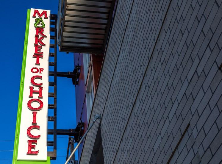 EllaMarie_Photo_Market of Choice Sign