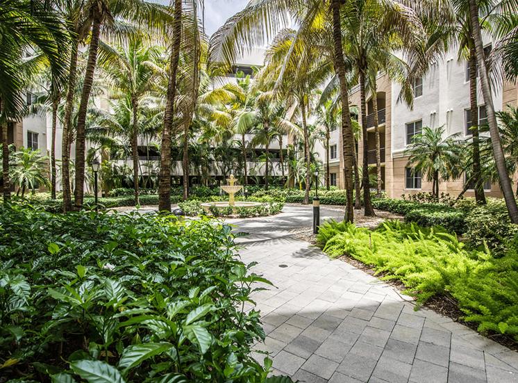 Vizcaya Lakes tropical courtyard in Boynton Beach, Florida