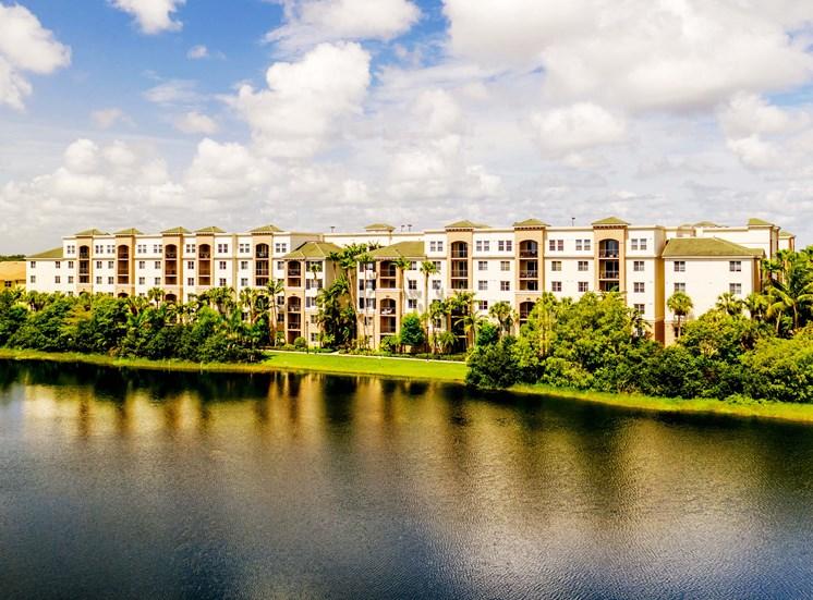 Vizcaya Lakes apartments in Boynton Beach, Florida sits next to an enormous lake with walking paths.