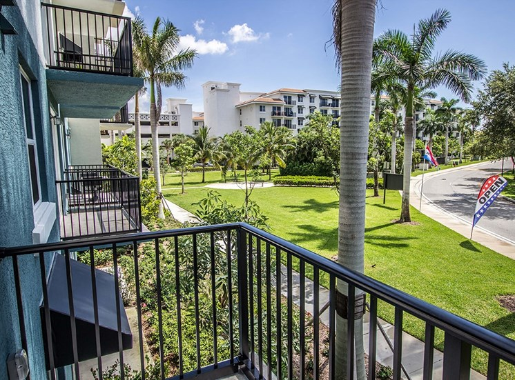 Santorini apartments in Florida with private balconies